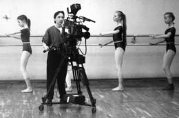 Tanztraining und analoger Film. Foto: Deutsches Tanzfilminstitut Bremen